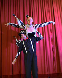stilt walkers, stilt dance, performance